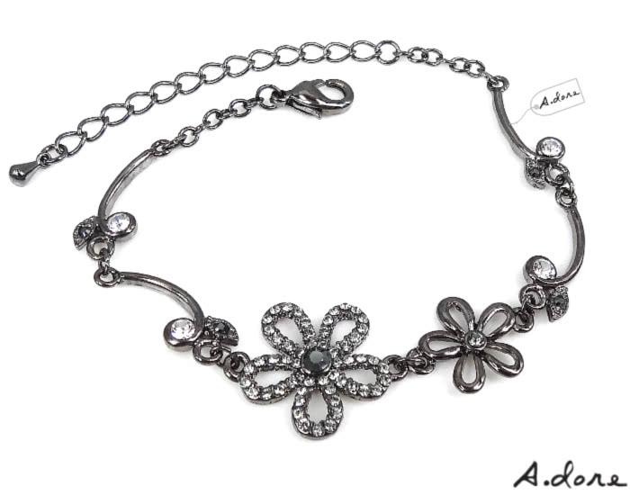 【A.dore】絢麗五瓣水晶花葉˙鑽飾手鍊(黑金˙銀灰鑽)