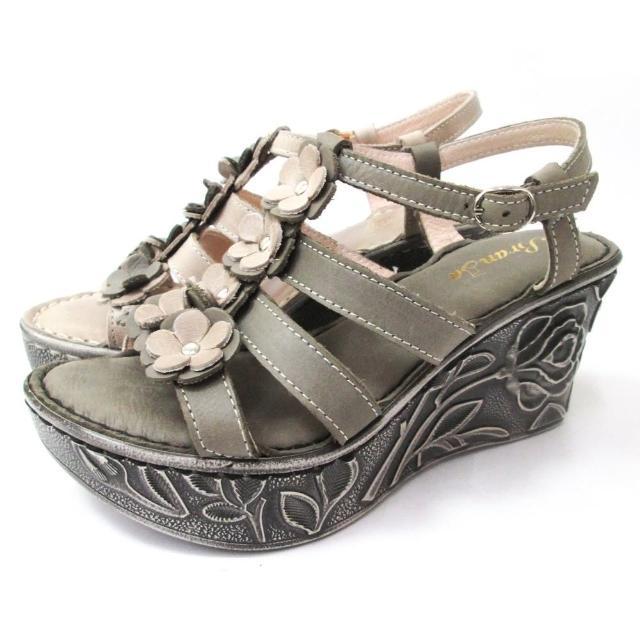 【Branda】春夏輕量楔型高底皮花手工涼鞋(雕花底皮花楔型高底氣質涼鞋)