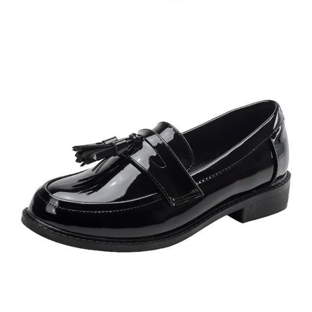 【Taroko】經典漆皮流蘇豆豆舒適平底英倫鞋(2色可選)