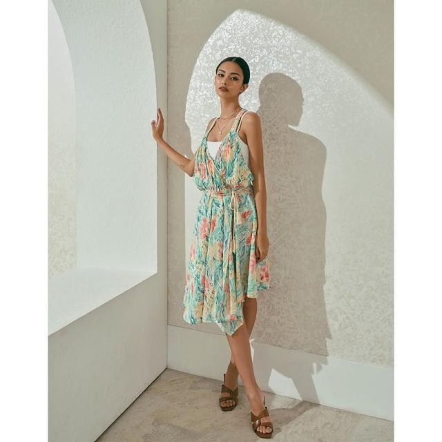 【WAVE SHINE】細褶不對稱圍裏式洋裝(B5WF036)