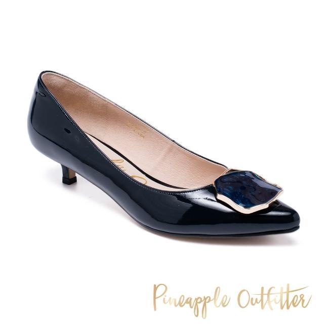 【Pineapple Outfitter】GIADA 牛皮飾釦尖頭低跟鞋(鏡藍)