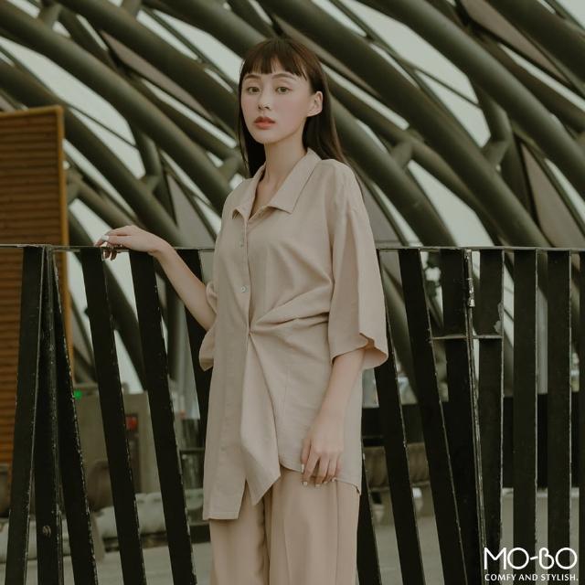 【MO-BO】寬鬆麻感側釦設計襯衫(上衣)