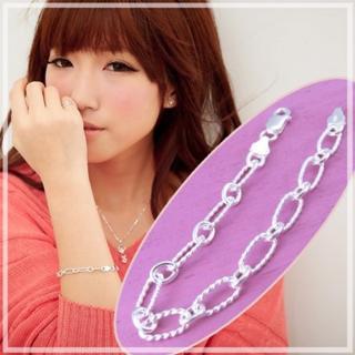 【維克維娜】質感女孩。帥氣設計感鍊環925純銀手鍊