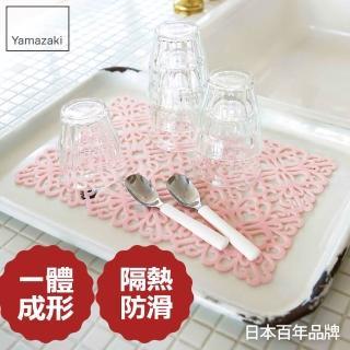【日本YAMAZAKI】Kirie典雅雕花隔熱餐墊(粉紅)