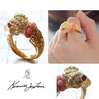 【Kenneth Jay Lane】好萊塢巨星最愛 魔羯戒指 鑲白鑽珊瑚紅珠珠頸(可調式彈性戒圍)