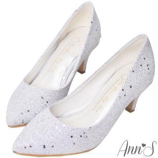 【Ann'S】華麗碎石後跟金立體小蝴蝶尖頭低跟包鞋(銀)