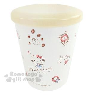 〔小禮堂〕Hello Kitty 日製塑膠小水杯《白.米黃蓋.坐姿.家具.蘋果.多圖.260ml》附蓋防灰塵