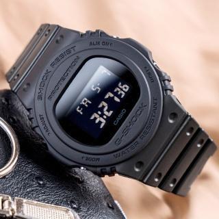 【CASIO 卡西歐】G-SHOCK 經典復刻潮流腕錶(DW-5750E-1BDR)