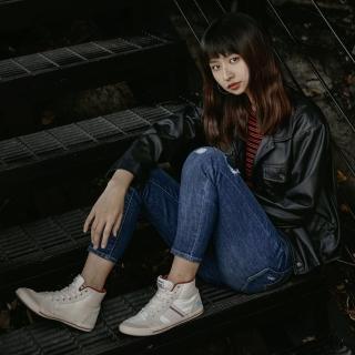 【LEVIS】721 高腰緊身窄管 / 亞洲版型 / 彈性牛仔褲 / 刷破(熱銷高腰版型)