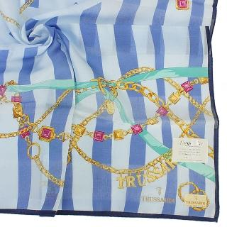 【TRUSSARDI】經典燙金LOGO慶典彩帶金飾純綿帕領巾(藍色)