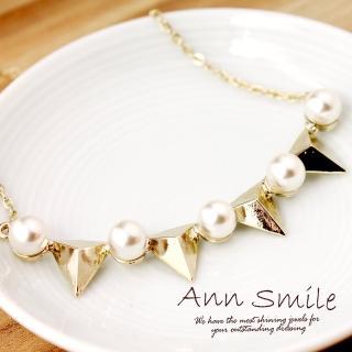 【微笑安安】韓製淡金色系珍珠立體三角墜項鍊