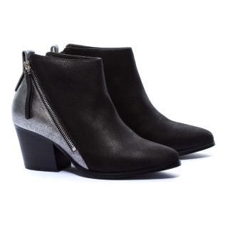 【MISS 21】俐落時髦側拉鍊拼接全真皮尖頭粗跟短靴(拼接黑)