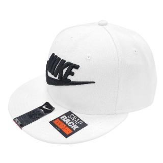 【NIKE 耐吉】棒球帽 Futura Snapback 男女款 基本可調式 Swoosh 電繡LOGO 白 黑(584169-100)