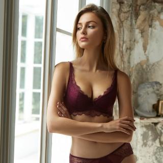 【曼黛瑪璉】V極線內衣  B-E罩杯(華麗紫)