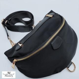 【Misstery】側背包防潑水面料休閒旅遊斜背包-黑(台灣防潑水面料)