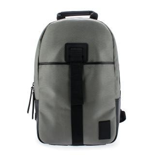 【Calvin Klein】尼龍雙拉鍊休閒後背包(灰色)