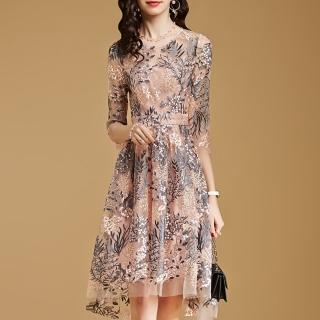 【FQ時尚天后】淺粉外層紡紗滿版灰長葉刺繡洋裝(S-2XL)