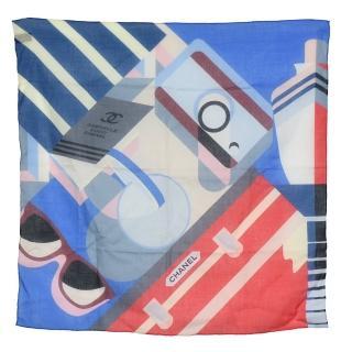 【CHANEL 香奈兒】經典CABRIELLE雙C LOGO幾何方塊圖形方巾(藍77348-BLUE)