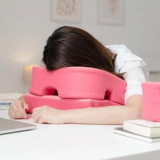 【Prodigy 波特鉅】3合1午休趴枕(腰枕午睡枕靠枕同時擁有)