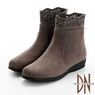 【DN】短靴_簍空雕花水鑽點綴楔型短靴(咖)