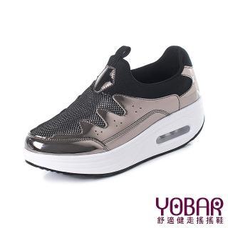 【YOBAR】時尚亮絲布異材質拼接舒適氣墊美腿搖搖鞋(金)