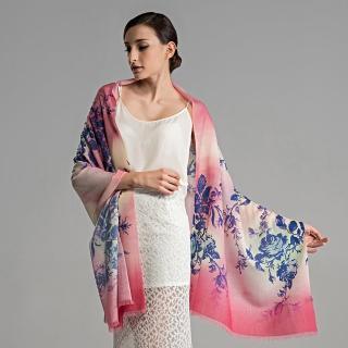 【ZANA】100%純羊毛70支紗漸層玫瑰印花保暖披肩 圍巾(2款任選)