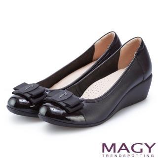 【MAGY】甜美混搭新風貌 雙材質真皮楔型中跟鞋(黑色)