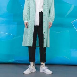 【gozo】復古廣告口袋彈性後鬆緊顯瘦長褲(黑色)
