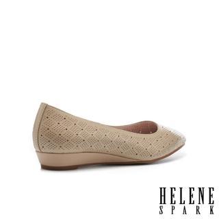 【HELENE SPARK】典雅魅力沖孔羊皮楔型低跟鞋(米)